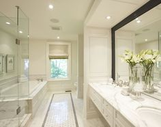 sp Classic Chic Home: The Timeless Beauty of a White Bathroom