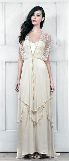 Bella e interesante colección de vestidos de novia de @Catherine_Deane