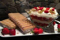 Erdbeertiramisu - a s - My Ideas Strawberry Tiramisu, Sweet Cookies, Party Buffet, Food Design, Food Plating, Yummy Cakes, Finger Foods, My Recipes, Bakery