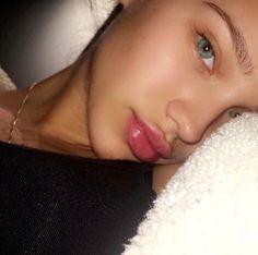 I want my skin to look like this! Glowy Skin, Flawless Skin, Skin Makeup, Beauty Makeup, Hair Beauty, Natural Face, Natural Makeup, Natural Beauty, Pretty Eyes