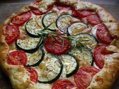 tomatoe-zucchini-galette Vegetable Pizza, Zucchini, Baking, Vegetables, Food, Bakken, Essen, Vegetable Recipes, Meals
