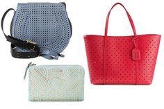 Estas carteras son modelos clásicos con diseños de huequitos. La bandolera azul es de la firma Chloe, el tote bag en rojo es de Dolce y Gabbana y el clutch verde menta es de Stella & Dot