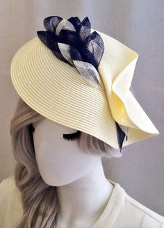 Hat Hairstyles Fancy 28 Super Ideas - New Site Sombreros Fascinator, Fascinator Hats, Fascinators, Headpieces, Outfits With Hats, Trendy Outfits, Ascot Hats, Millinery Hats, Fancy Hats
