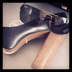 My Shultz heels and my fav Ray Ban sunnies. Time for a team outing today I think!