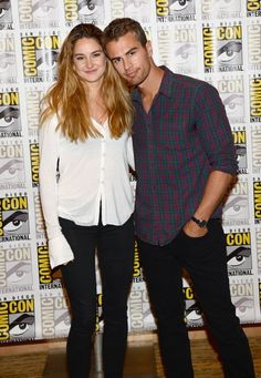 shailene woodley and theo james at san diego comic con I SHIP SHEO SO… Tris And Tobias, Tris And Four, Divergent Hunger Games, Divergent Trilogy, Shailene Woodley, Ender's Game, Divergent Insurgent Allegiant, San Diego Comic Con, The Fault In Our Stars