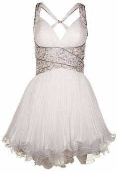 Party dress :) perfect for dancing! Pretty Outfits, Pretty Dresses, Beautiful Dresses, White Halter Dress, White Mini Dress, Backless Prom Dresses, Short Dresses, White Dress Winter, Winter White