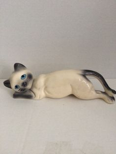 Siamese cat figurine, vintage cat, cat lovers, vintage kitty