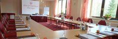 Für Ihre Tagungen oder Konferenzen stehen Ihnen 3 Räume von 40 qm bis zu 180 qm zur Verfügung. Moderne Tagungstechnik schafft optimale Bedingungen für Erfolge in Kombination mit dem angenehmen Ambiente unseres Hauses. Vital Hotel, Aktiv, Modern, Conference Room, Table, Furniture, Home Decor, Environment, Trendy Tree