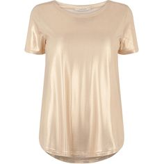 T-Shirt in Flüssigfolienoptik (2.095 RUB) ❤ liked on Polyvore featuring tops, t-shirts, beige top and beige t shirt