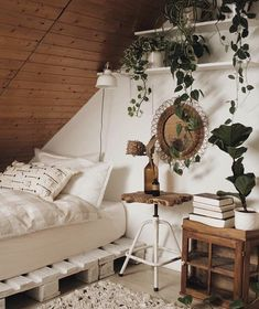 Image uploaded by paulien. Find images and videos about indie, home and design o. - Image uploaded by paulien. Find images and videos about indie, home and design on We Heart It – t - Boho Bedroom Decor, Boho Room, Bedroom Inspo, Bedroom Ideas, Bohemian House, Bedroom Décor, Girl Bedrooms, Bedroom Lighting, Bedroom Designs