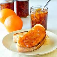 Orange Marmalade - who knew making marmalade was this easy? This recipe adds a little natural vanilla in what might me the best marmalade you'll ever try. Making Marmalade, Orange Marmalade Recipe, Jam Recipes, Sweet Recipes, Cooking Recipes, Rock Recipes, What's Cooking, Yummy Recipes, Recipies