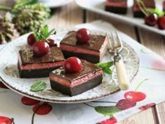 Meggyhabos brownie | NOSALTY Brownies, Dairy, Pudding, Cheese, Sweet, Desserts, Food, Heaven, Candy