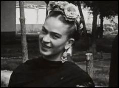 Rare photo of Frida Kahlo actually smiling (: