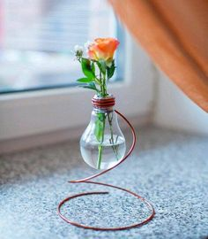 Little vase of an ordinary lamp. Like the idea