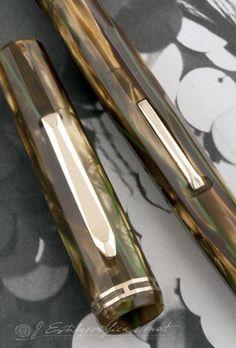 Wahl Doric Bronze Pearl Green Veins