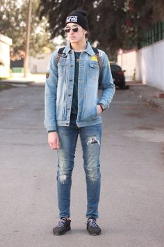 Blogger @hicham-akhadaj just love to rock in this whole jeans look! But I like men in jeans, very easy to style things up.