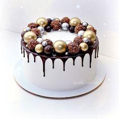 Big Cakes, Just Cakes, Sweet Cakes, Food Cakes, Cupcake Cakes, Christmas Cake Designs, Christmas Desserts, Winter Torte, Dessert Decoration