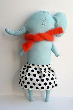 fofices do design: marina rachner rag dolls Softies, Fabric Toys, Elephant Love, Toy Art, Sewing Dolls, Little Doll, Cute Toys, Soft Dolls, Soft Sculpture