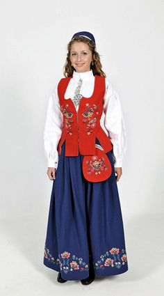 """Red and blue """"Bolsøybunad"""" from Bolsøy, Møre og Romsdal, Norway. (I'm not sure, but I think there is a completely red version of this bunad, but it's very rare) Folk Costume, Costume Dress, Norwegian Clothing, Costumes Around The World, Ethnic Design, Character Costumes, Traditional Dresses, Costume Design, Dame"""