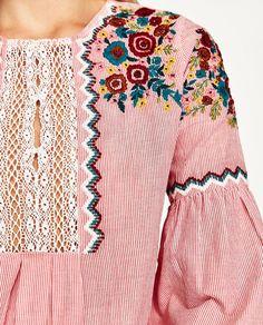 Imagen 7 de BLUSA RAYAS CON BORDADO de Zara Camisa China, Boho Floral Dress, Fashion Forecasting, Autumn Fashion 2018, Night Out Outfit, Shirt Embroidery, Zara Dresses, Festival Outfits, Blouses For Women