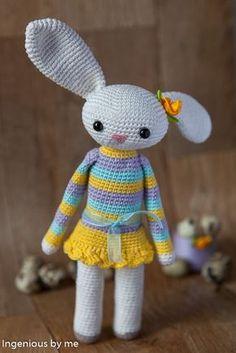Easter Bunny - Free Amigurumi and Crochet Pattern. Easter Bunny Crochet Pattern, Cute Crochet, Crochet Crafts, Crochet Dolls, Crochet Projects, Crocheted Toys, Amigurumi Patterns, Crochet Patterns, Cute Toys