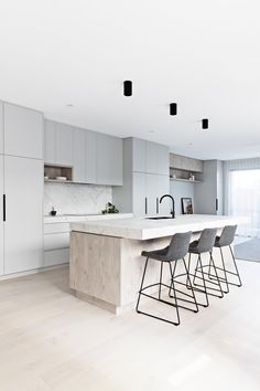 5 tips to create a Scandi style house - Scandinavian Design Trends - Have Best Home Decor ! Scandi Chic, Scandi Home, Scandinavian Kitchen, Scandi Style, Modern Scandinavian Interior, Nordic Kitchen, Nordic Home, Home Decor Kitchen, Kitchen Interior