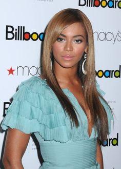 Beyonce with sleek and glossy straight hair #beyonce #hair