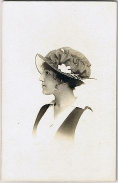 +~+~ Antique Photograph ~+~+  Striking side profile of an elegant Edwardian young woman.