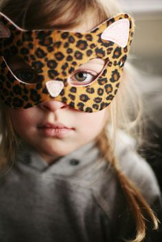 Halloween costumes (or everyday dress-up) combined with natural portrait light make for beautiful, interesting photos that your kids will love! Costume Halloween, Haunted Halloween, Halloween 2016, Happy Halloween, Halloween Party, Kids Dress Up, Cat Mask, Mask For Kids, Little People