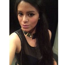 Cat eye, nude lipstick and gold neckless for a night out