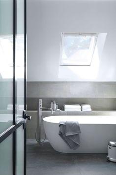Une salle de bains cosy sous les toits