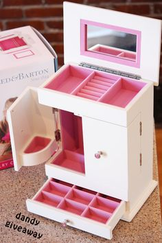 Reed & Barton Girls Jewelry Boxes {Giveaway} — Dandy Giveaway Read more at http://www.dandygiveaway.com/2014/03/24/reed-barton-girls-jewelry-boxes-giveaway/#4elm2HL4IxWVR3Xd.99