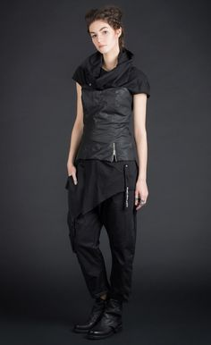 BODEES - crinkled-look bodice black top / PU coated cotton | Studio B3 |