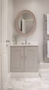 Small Bathroom Renovation Ideas I really like doing this. Bathroom Renos, Grey Bathrooms, Beautiful Bathrooms, Bathroom Ideas, Country Bathrooms, Bathroom Faucets, Shower Ideas, Cloakroom Ideas, Half Bathrooms