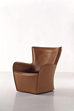 Upholstered leather armchair with armrests MANDRAGUE Mandrague Collection by MOLTENI