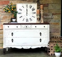 Farmhouse Distressed Antique Dresser in Fusion Mineral Raw Silk and Cappuccino Stain//Redone dresser//dresser makeover// painted furniture// shabby chic