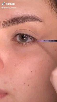 Edgy Makeup, Makeup Eye Looks, Eyeliner Looks, Eye Makeup Art, No Eyeliner Makeup, Smokey Eye Makeup, Skin Makeup, Simple Eyeshadow Looks, Color Eyeliner
