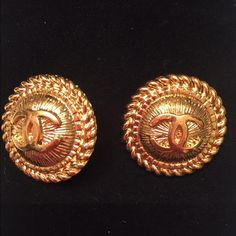 Authentic Chanel Gold Clip On Earrings Beautiful They