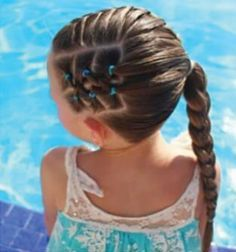 If we learned anything from 2018 when it comes to hair styles is that the lob is not going anywhere anytime soon. This length that grazes the shoulders is flattering universally for all types . Girls Hairdos, Lil Girl Hairstyles, Princess Hairstyles, Girls Braids, Braided Hairstyles, Toddler Hairstyles, Teenage Hairstyles, Girl Haircuts, Hair Due