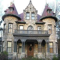 Gothic stone house dream houses victorian homes, house style Victorian Architecture, Beautiful Architecture, Beautiful Buildings, Beautiful Homes, Architecture Design, Farmhouse Architecture, Victorian Buildings, Classical Architecture, Old Mansions