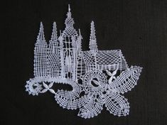 Lace Art, Lace Jewelry, Bobbin Lace, Lace Detail, Arts And Crafts, Butterfly, Black And White, Crochet, Inspiration