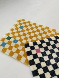 Funky Rugs, Cool Rugs, Colorful Rugs, Latch Hook Rugs, Aesthetic Room Decor, Textiles, Wabi Sabi, Rugs On Carpet, Carpets And Rugs
