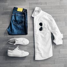 """Capsule Wardrobe For Men. Build My Wardrobe Have you ever thought to yourself. """"I have a lot of clothes but when I look in my closet I can't find Trend Fashion, Mens Fashion Blog, Daily Fashion, Men's Fashion, Fashion Ideas, Fashion Inspiration, Komplette Outfits, Fashion Outfits, Best Smart Casual Outfits"""
