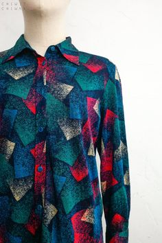 90s Oversize Blouse size M Black Floral Rayon Long Sleeve Hidden Button Closure Abstract Print Overshirt Patterned Wide Sleeves Top