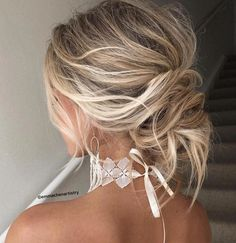 Ideas For Hairstyles Updo Half Up Curls Messy Wedding Hair, Romantic Wedding Hair, Wedding Hair Pins, Wedding Hairstyle, Bridal Hair, Style Hairstyle, Wedding Vows, Messy Bun With Braid, Messy Updo