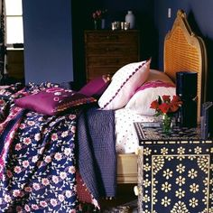 idées pour la chambre d'ado fille, chambre ado en bleu foncé