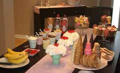 """VERY detailed party with great centerpieces, decor and pretend """"ice cream shop"""""""