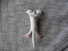 Needle Felted Animal Brooch Felt Cat Lapel Pin Felting by ZeMode Needle Felted Animals, Felt Animals, Needle Felting, Suit Accessories, Felt Cat, Felt Brooch, Soft Sculpture, Lapel Pins, Wool Felt