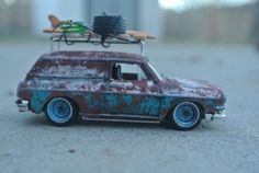 Custom-Made-and-Rusty-69-VW-Squareback-Luggage-Rack-Surf-ready-w-Real-Riders