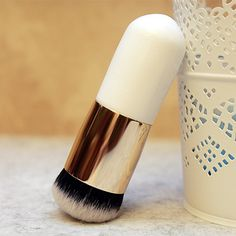 Vander Kabuki Chubby Pier Foundation Brush Flat Cream blush Makeup Brushes for Contour Makeup Brush Tools, View round head makeup brush, Vander Product Details from Shenzhen Shennanshun Technology Co., Ltd. on Alibaba.com